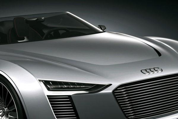 Audi etron in silber