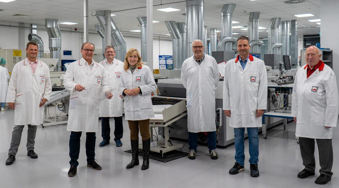Buchen (30.08.21) – MdB Nina Warken (CDU) zu Besuch bei Hoffmann+Krippner